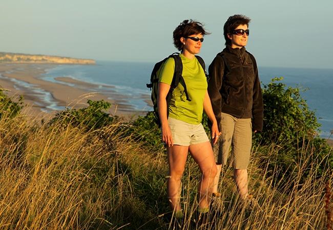 Randonnée dans le Bessin au bord du littoral dans le Calvados