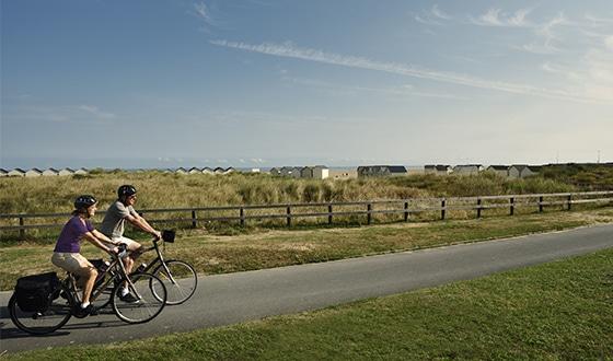 Balade en couple à vélo dans le Calvados