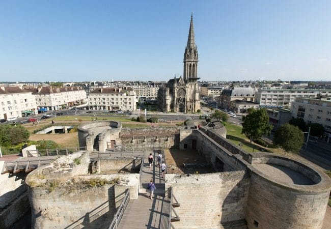 Vue sur Caen et son chateau depuis les remparts
