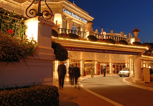 Façade du casino de Deauville dans le Calvados