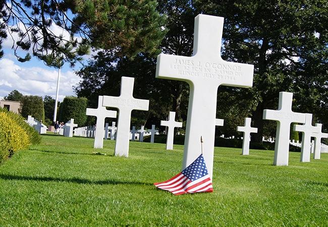 Cimetière américain avec croix